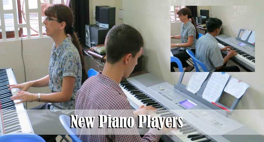 8.10.14-piano-players