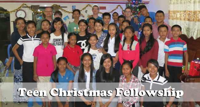 12.23.15-teen-Christmas-fellowship